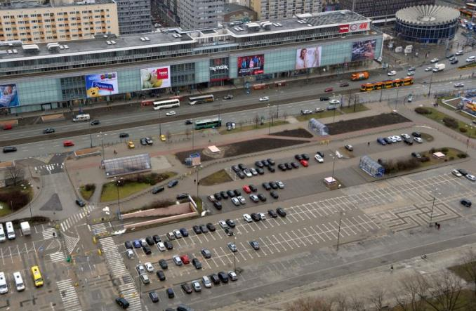 Mosiej: W Polsce parkingi dotuje się jak służbę zdrowia