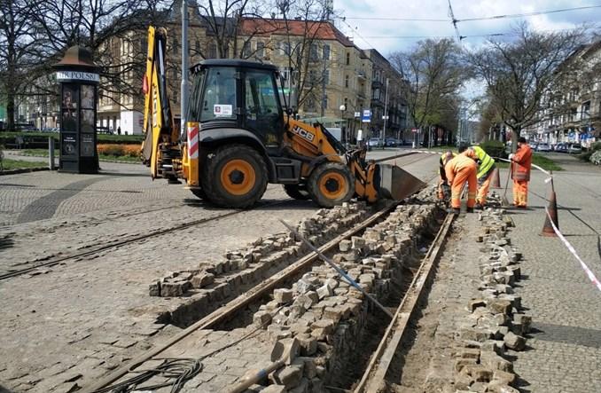 Szczecin: Trwają prace torowe na placu Grunwaldzkim