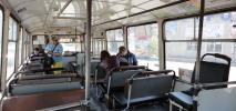 Miły konduktor czy bezduszny biletomat – jak pobierać opłaty za przejazd?