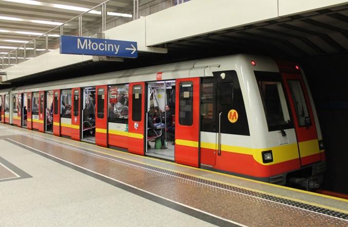 Metro naprawi i przemaluje Metropolisy