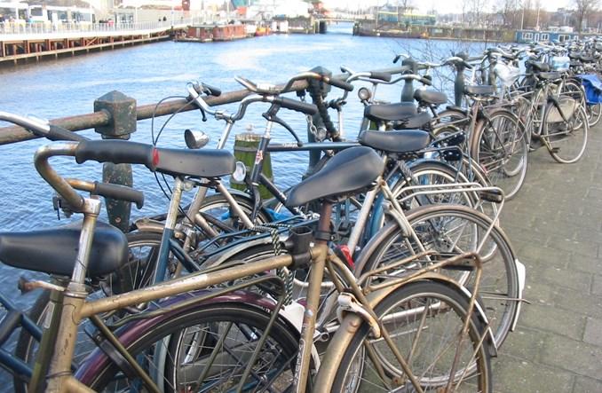 W Amsterdamie brakuje miejsca na rowery. Zbudują podwodny parking