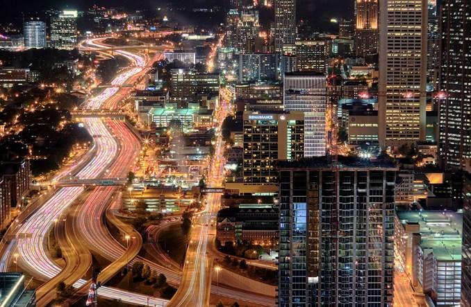 Urban sprawl a transport publiczny. Centrum niepotrzebne?