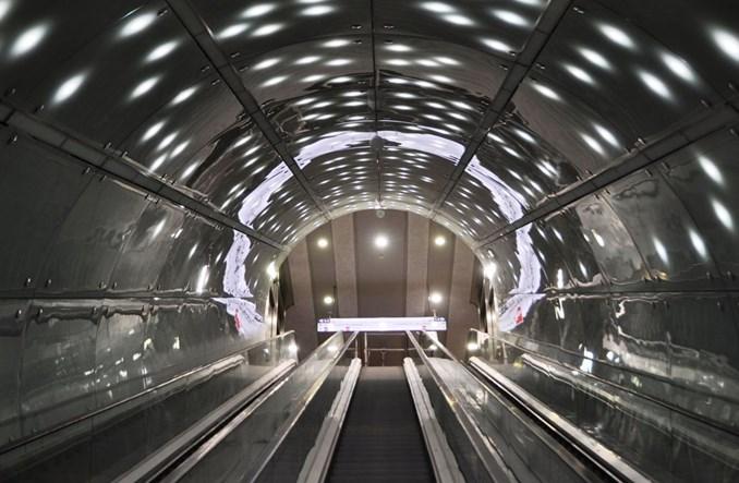 Metro: Stacja Świętokrzyska multimedialna, bezpieczna i oszczędna