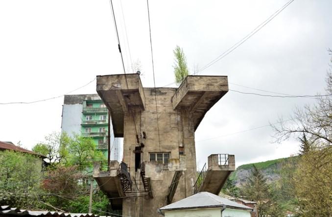 Cziatura – miasto kolejek linowych