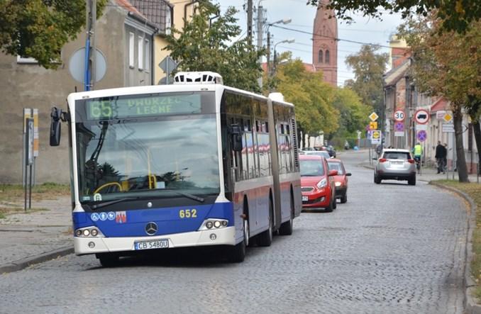 Bydgoszcz: Starcie Mercedesa i Solarisa o 10 przegubowców