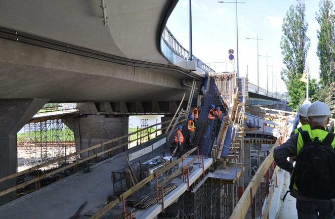 W lipcu otwarcie kładki pieszo-rowerowej pod Łazienkowskim