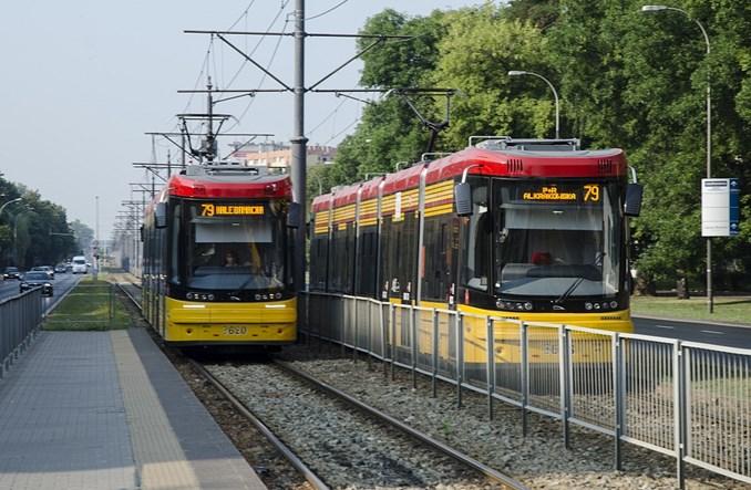 Dwukierunkowy tramwaj już jeździ po Warszawie [ZDJĘCIA]