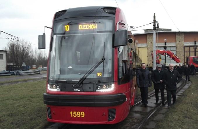 """W Łodzi """"uciekł"""" tramwaj Pesy bez motorniczego. Komisja wyjaśnia przyczyny"""