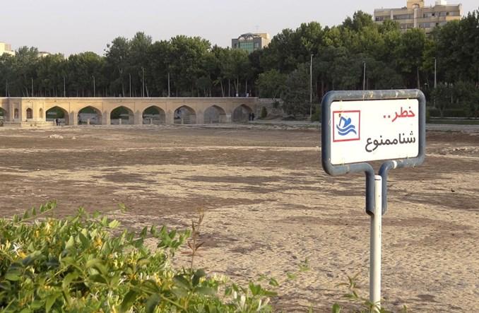 W co zamienić rzekę w Iranie? Architektura kompatybilna z naturą