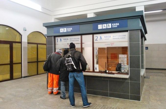 Dworzec w Inowrocławiu przyjmuje już podróżnych (zdjęcia)