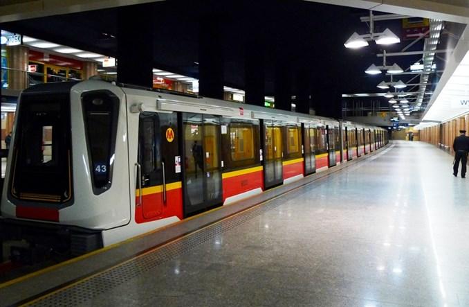 Metro: Składy Inspiro do wyjaśnienia sprawy pozostaną wycofane z ruchu