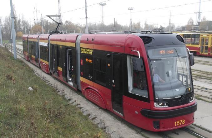 Pięć z 22. Łódź prosi, żeby trzymać kciuki za dostawę tramwajów