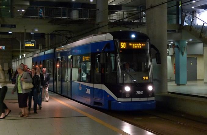 Kandydaci na prezydenta Krakowa obiecują nowe linie tramwajowe i wzrost roli kolei