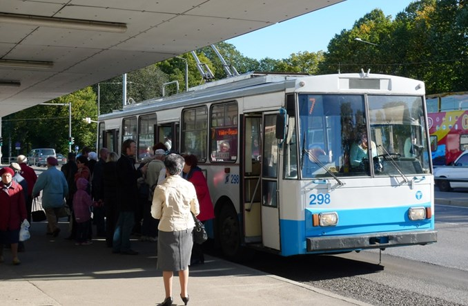 Tallińczycy przyzwyczajają się do darmowego transportu publicznego. Nie wszyscy zadowoleni?