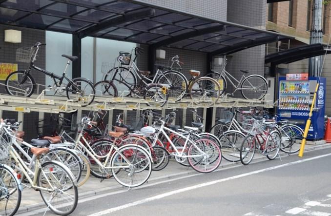 Tokio. Rowerzyści bez infrastruktury