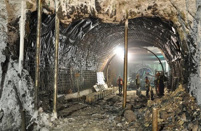 Metro: Powiśle przebite. Można przejść z Woli na Pragę