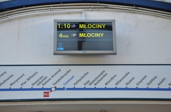 Metro: Więcej ekranów na starszych stacjach. Jest wykonawca