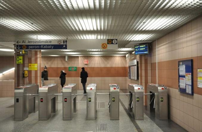 Metro uruchamia ekrany informacji pasażerskiej na antresolach stacji