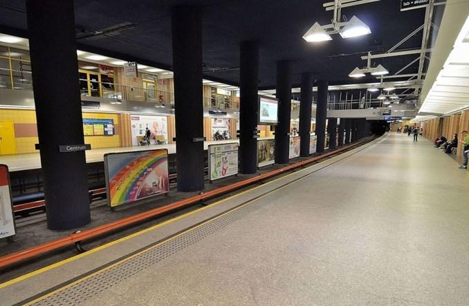 Służba Ochrony Metra interweniowała po rasistowskim ataku w pociągu