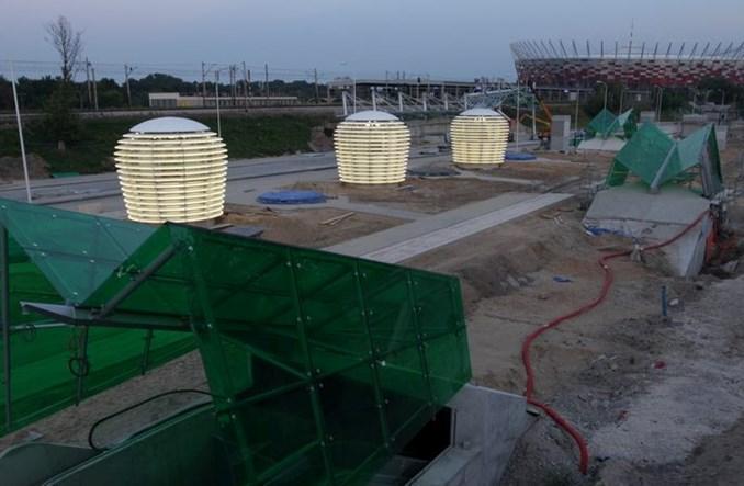 Metro: Świetne lampiony na Stadionie
