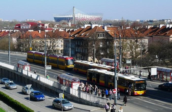 W Warszawie liczba pasażerów komunikacji miejskiej rośnie lawinowo