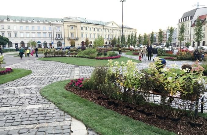 Warszawa: Zielony plac Teatralny. Znakomity weekendowy eksperyment