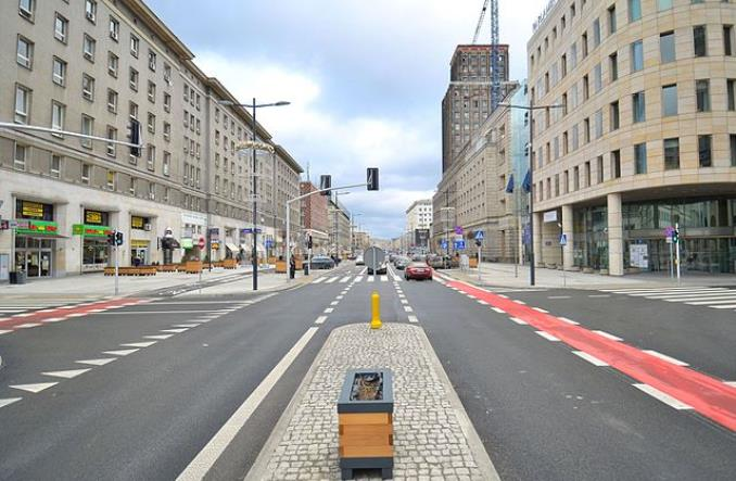 Jak Warszawa realizuje strategię transportową. Wołoska kontra Świętokrzyska