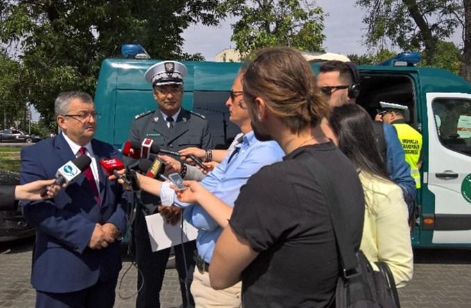 Warszawa. Minister Adamczyk grzmi: Autobusy w stanie zatrważającym!