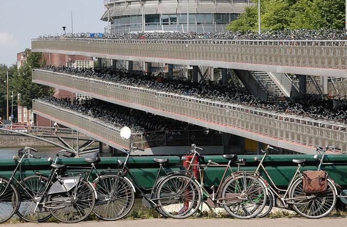 W Holandii rowerzyści… nie mieszczą się na drogach rowerowych