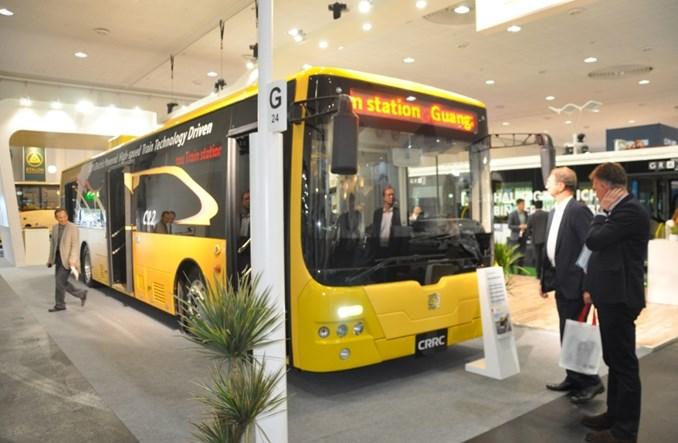 Chiny. Kolejarze robią również autobusy elektryczne. 15 tysięcy