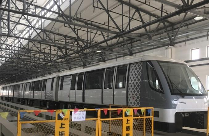 Szanghaj. Bombardier dostarczył pierwszy Innovia APM 300