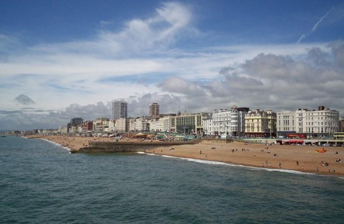 Mieszkańcy Brighton jeżdżą autobusami, bo… nie mają wyjścia