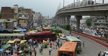 Delhi chce kupić tysiąc elektrobusów. Sąd ma inne zdanie