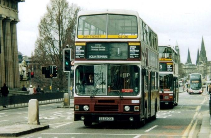 Edynburg: Światła będą pomagać spóźnionym autobusom
