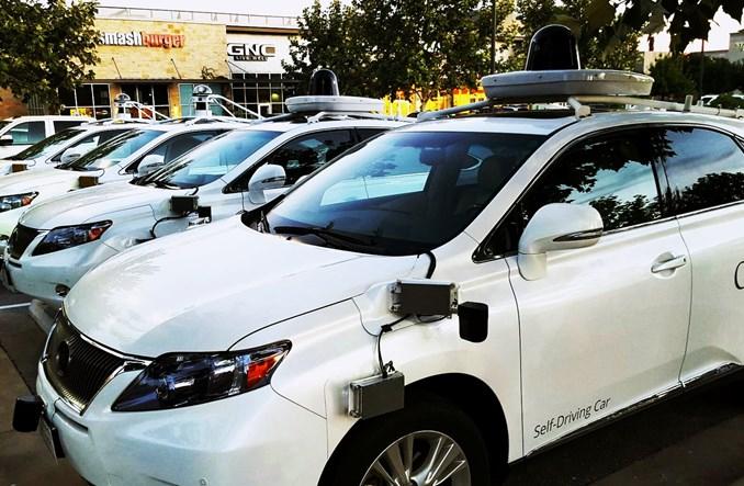 Czy automatyczne samochody ograniczą liczbę wypadków?