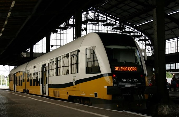 Koleje Dolnośląskie: do Lwówka na razie autobusem