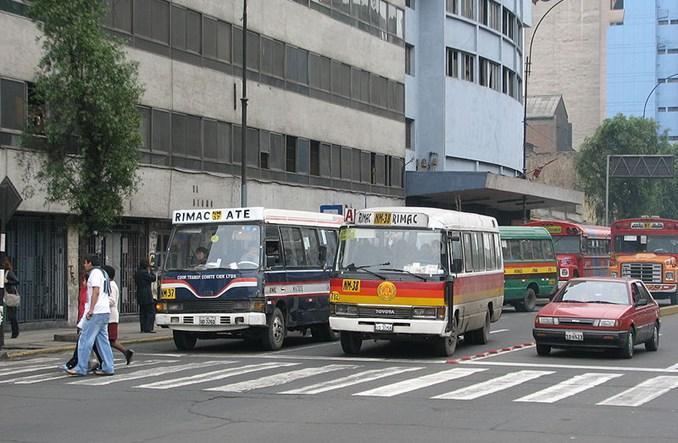 Lima. Autobusy za miliard dolarów