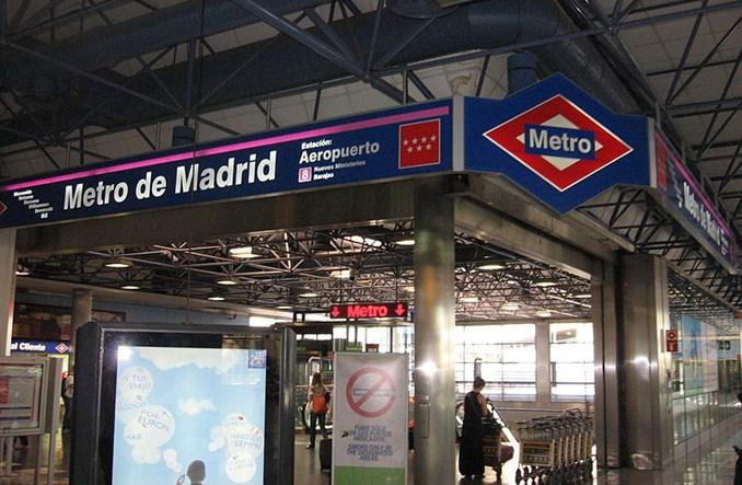 Jak w Europie dojechać z lotniska do centrum? Metro szybsze niż taxi