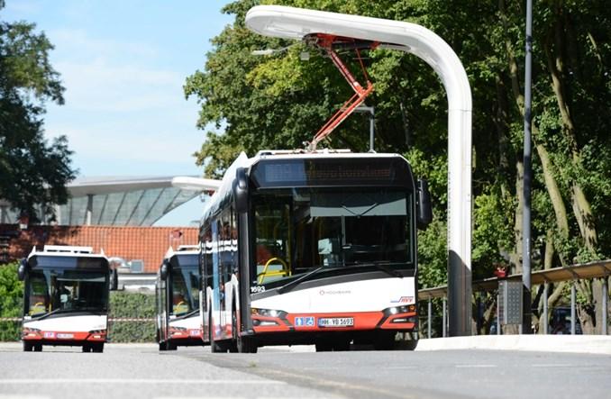 Hamburg. Stanowisko do ładowania zarówno Solarisa jak i Volvo