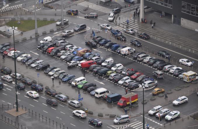 Warszawa. Przetarg na pierwszy z małych podziemnych parkingów