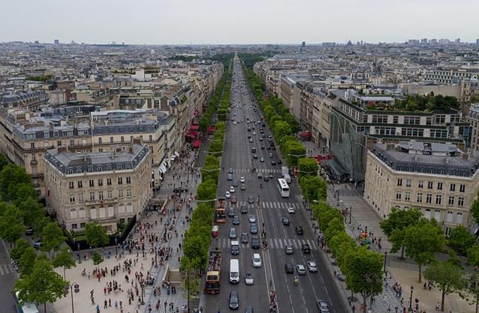 Paryż od dziś zakazuje starych samochodów