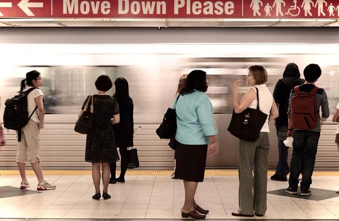 Korzystający z transportu publicznego są szczuplejsi