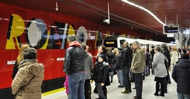 Zamknięty most skutecznie przekierował pasażerów do metra