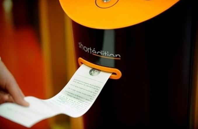 Grenoble. Literaturomaty na przystankach autobusowych