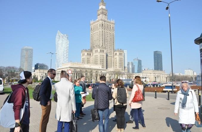 Fajna Świętokrzyska, beznadziejne parkowanie. Warszawa oczami gości z zagranicy