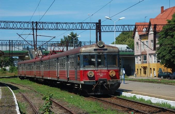 Ustka, pozostawiona bez pociągów, chce mieć przy dworcu węzeł transportowy