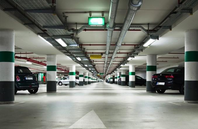 Warszawa zapowiada system małych parkingów podziemnych za 200 mln zł