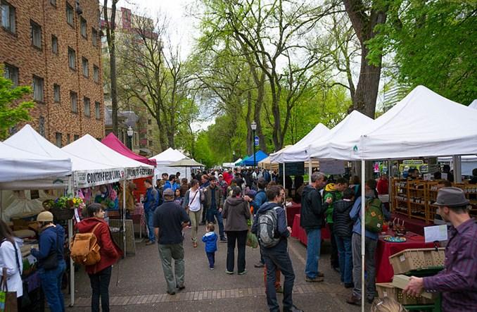 Jeff Speck: Miasta przyjazne pieszym się opłacają