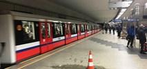 Metro: Na Politechnice znowu przecieka. Tym razem na peron