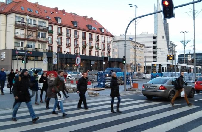 Wrocław stawia na pieszych. Nowe przejścia na trasie W-Z